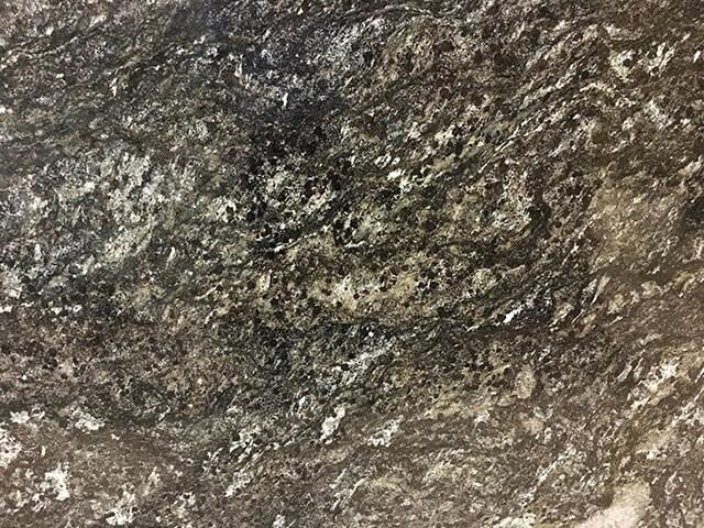 đá đen cianitus