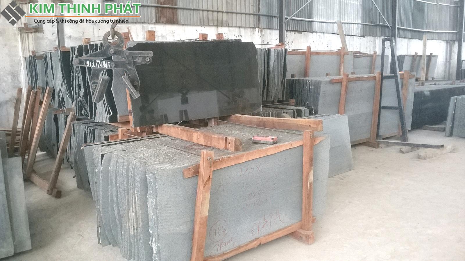 tấm đá đen huế