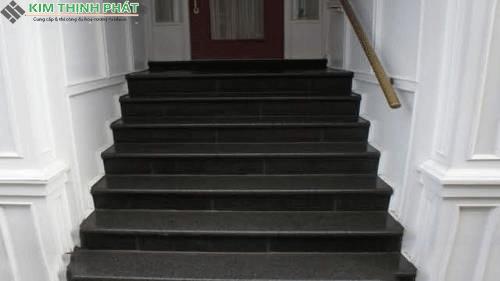 cầu thang đá đen ấn độ