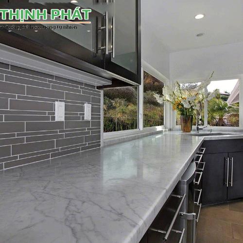 bàn bếp đá Carrara marble