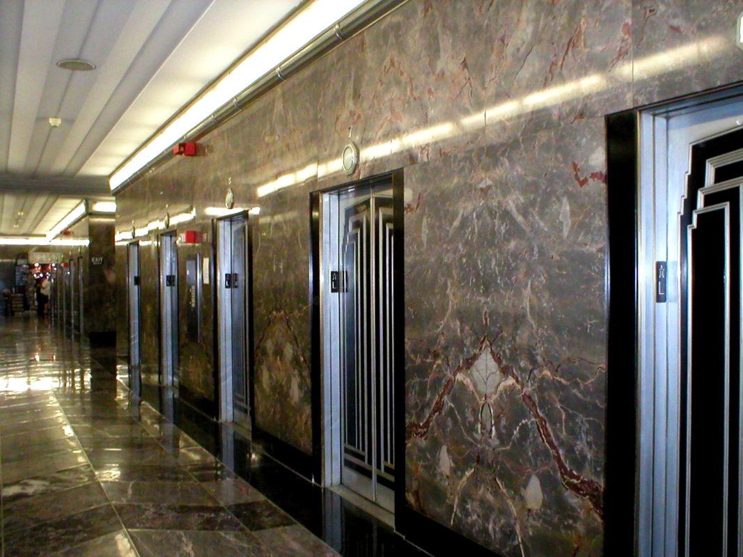 đá marble ốp mặt tiền thang máy