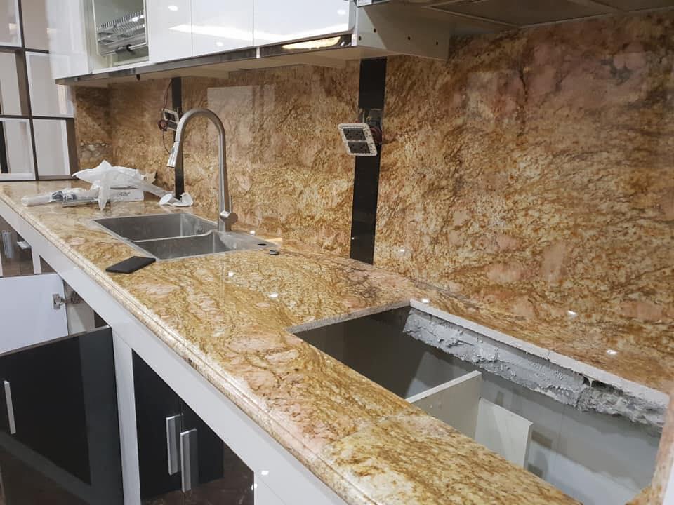 Công trình đá granite vàng Hoàn Gia