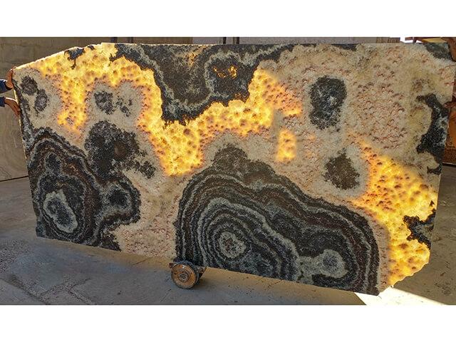 Mẫu đá xuyên sáng onyx đẹp