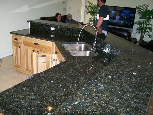 đá ốp bàn bếp mày xanh đen đẹp