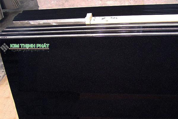 Tấm đá Granite đen kim Sa Xanh