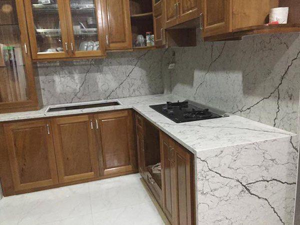 đá ốp bàn bếp màu trắng