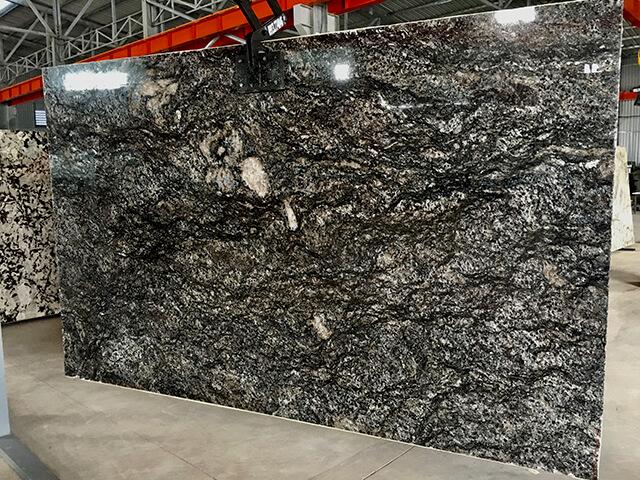 Tấm Đá Granite Đen Cianitus